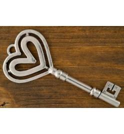 Zawieszka klucz serce 30x70mm platyna