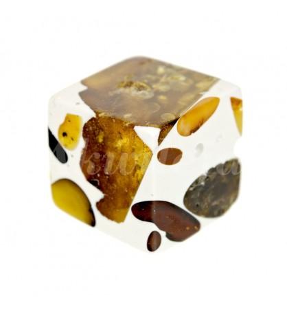 Bursztyn w żywicy kostka 8-10mm